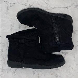 Black toddler boots